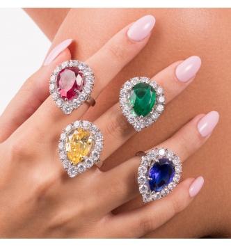 Anello con pietra goccia smeraldo