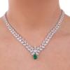 Collana con fiore centrale pendente e goccia smeraldo
