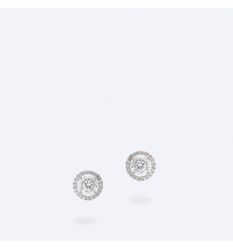 Double medium white point of light