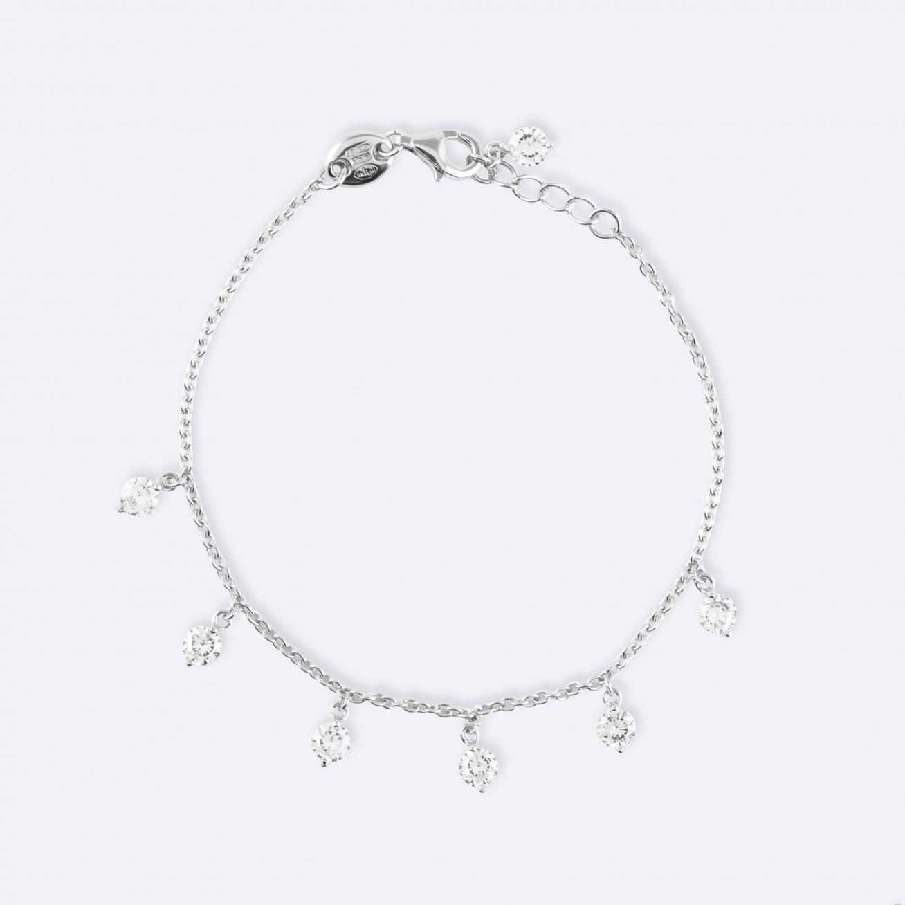 Thin bracelet with zirconia pendants